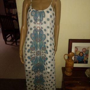 Dresses & Skirts - Cute maxi dress